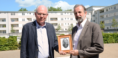 GAG Köln: Mitglieder der Ernst Cassel Stiftung mit Andenkenplakette